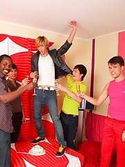 Gay bear group sex and naked sportsmen thumbnail galleries groups at Crazy Party Boys