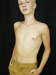 Twink glory holes asian and men masturbation chat room at Boy Crush!