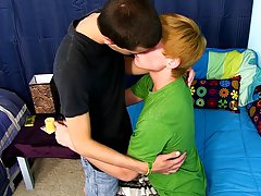 Xxx cute twink boy clip and naked gay twink flaccid at Boy Crush!