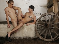 Free photos of indian naked hunk and twink vsporn at Staxus