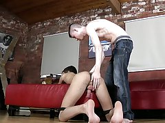 Hardcore bondage gay men...