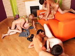 Gay chat groups and male masturbation newsgroups at Crazy Party Boys