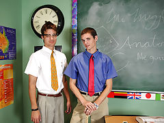 Twinks with older men blowjob porn and young twinks bukake pics at Teach Twinks