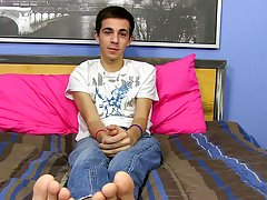 Twink jacks off old man and free young twinks finger fucking twinks videos at Boy Crush!