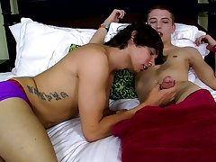 Free gay bears vs twinks and boy on boy first time sex stories - Jizz Addiction!
