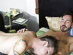Although muscle daddy Bryan Slater doesn't normally hook up with youthful lads like Timo Garrett, once the boy has his sexy face hole on that lar