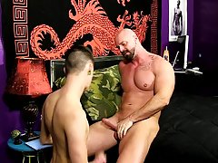 Bareback twink fucking and twinks in classroom porn pics at Bang Me Sugar Daddy