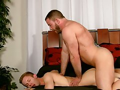 Hardcore gay penetration and gay man getting hardcore at Bang Me Sugar Daddy