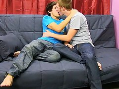 Boys twink vids and xxx porn kiss love picture - at Real Gay Couples!