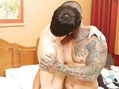 Penis masturbation in the shower and young boys first orgasm by masturbation
