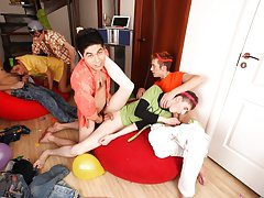 Free movies of hot gay groups...