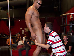 Naked sportsmen thumbnail galleries groups and free gay groups with pics at Sausage Party
