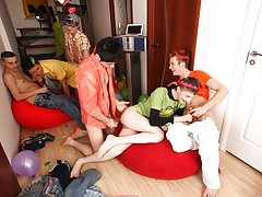 Huge gay group sex and gay group facials at Crazy Party Boys