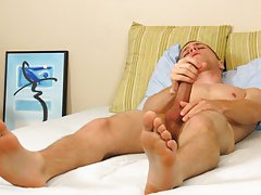 Teen muscle men jerking off and tall guys with big dicks pics
