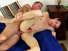 Chubby twinks fuck each other...