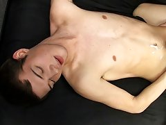 Hot half naked guys kissing pictures and fem boy get fuck at Boy Crush!