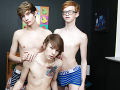 Long gay dick pokes abdomen and first time cum taste stories at Boy Crush!