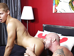 Sexy game guy whacking off and men putting their dick at Bang Me Sugar Daddy