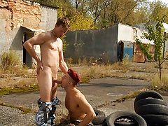 Caught jerking at leisure, soldier Tom Evans discovers fast that soldiers who fight together have to fuck together straight military me