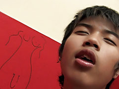 HE LOVES TO SUCK southeast asian gay videos at boy glory hole!