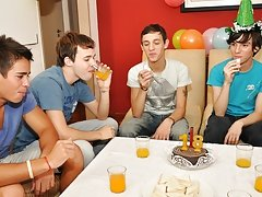 Twinks Happy Birthday party free...