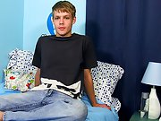 He's versatile cuties like him!) and this chab has a particular love of threeways, group sex and big cocks too big) twinks gay men at Boy Crush!